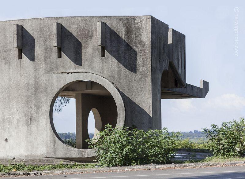 herwig-soviet-bus-stops-9[6]
