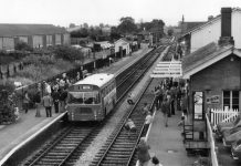 1980年8月13日,NEL847M在Bishops Lydeard車站展示與媒體。© Stephen Edge