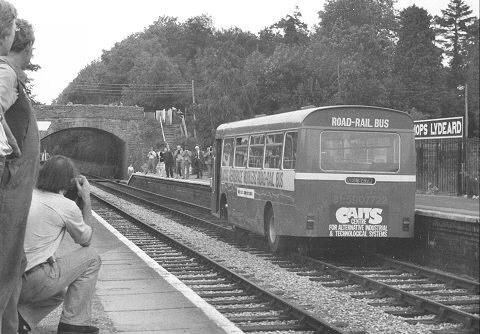 NEL847M在Bishops Lydeard車站停下供傳媒拍攝 © STEPHEN EDGE