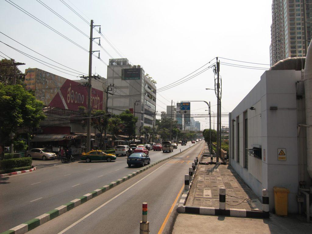 曼谷BRT有專用車道