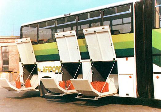 Ikaru 695的車箱底行李櫃可安裝特別設計行李存放箱,該行李存放箱可直接放入航機貨艙,以減省中轉時間。