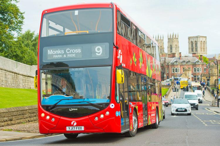 Optare Metrodecker 於英國York試驗行走。