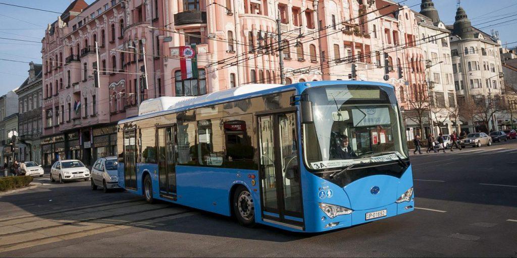 比亞迪工廠選址匈牙利,是因為它地處歐洲中部,匈牙利在生產巴士上有著悠久的歷史,工程技術相當精湛。