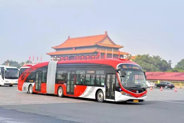巴士於10月22日正式投入北京市1路線營運